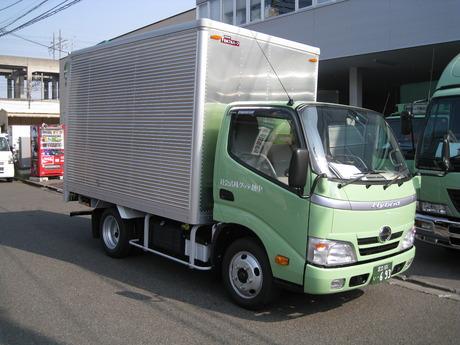 【2t・4tドライバー】40代以上の方も現在大活躍してます!日本の経済を支える大切なお仕事です!